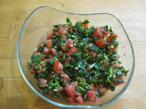 Tomato-sorrel salad