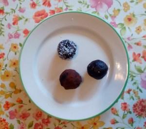 Chocolate sesame date balls